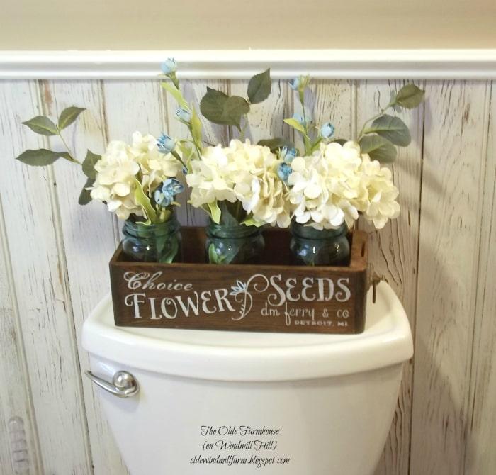 Красивый ящик для цветов.