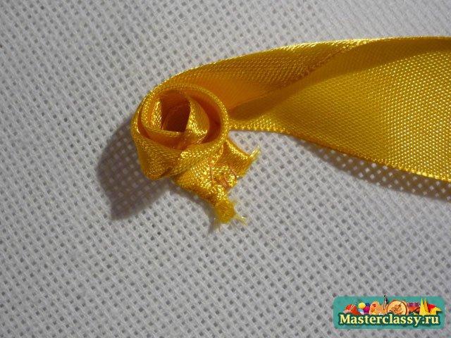 желтые розы из лент