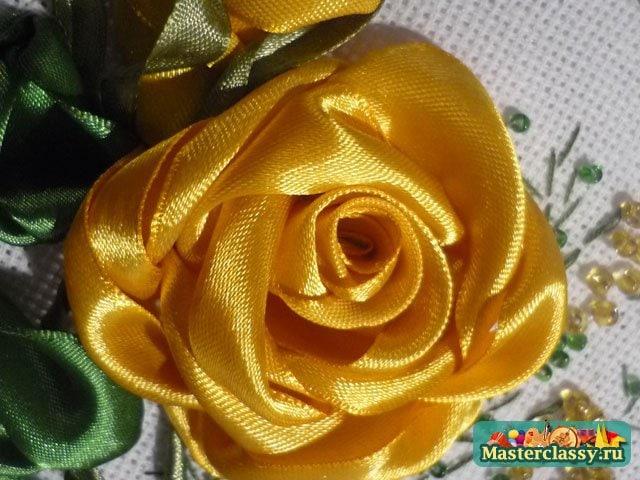Желтые розы. Вышивка лентами