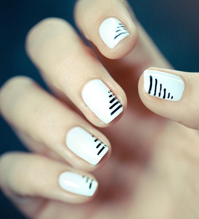 монохромные ногти