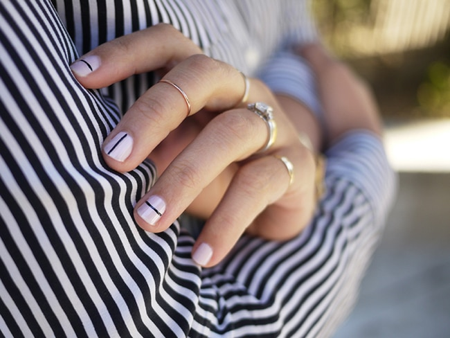 striped manicure