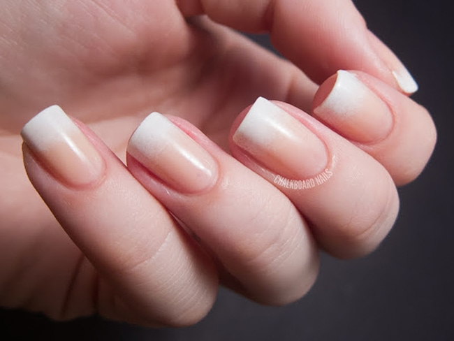 manicure with gradient