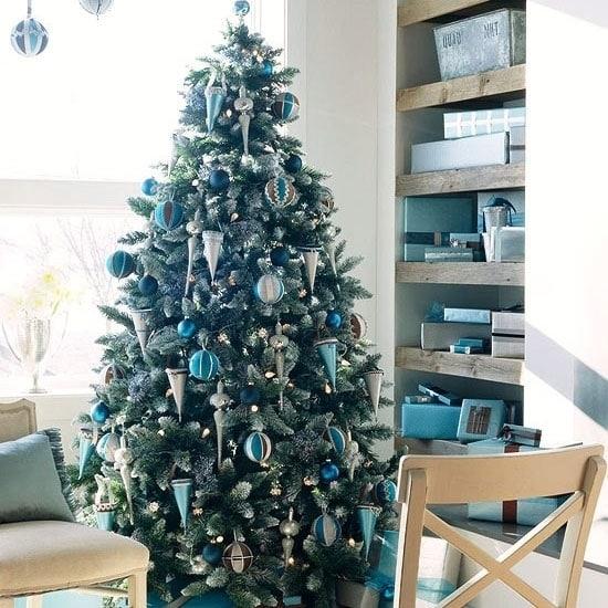 Серебристо-синяя новогодняя елка