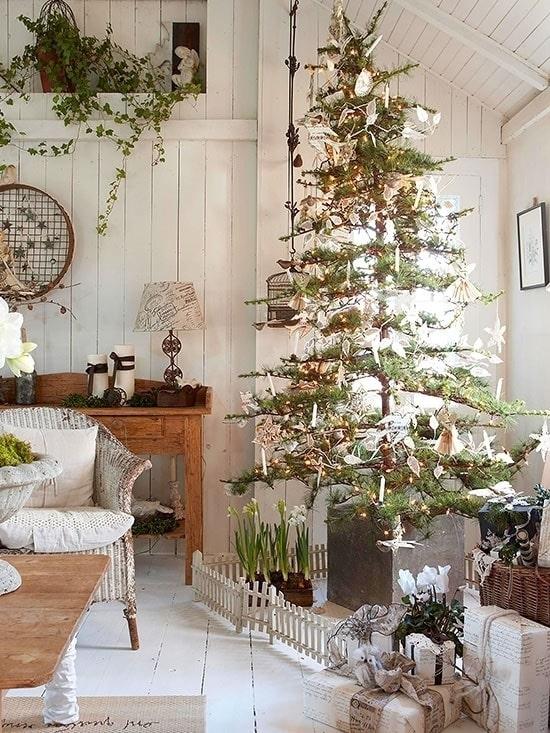 Нежная новогодняя елка