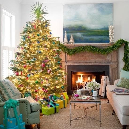 Красочная новогодняя елка