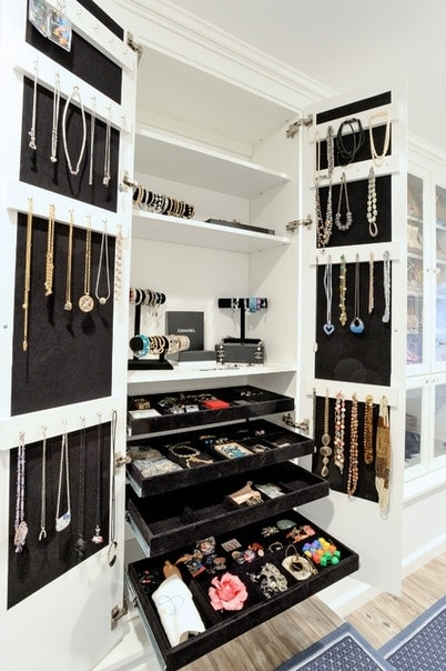 How to store jewelry?