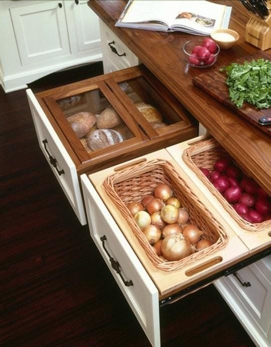 7. В выдвижных ящиках удобно хранить хлеб и овощи кухня, хранения