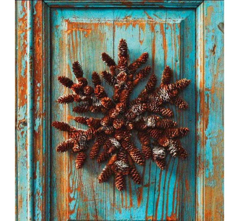 Decor in colors: turquoise, gray, dark brown, brown, beige. Decor in.
