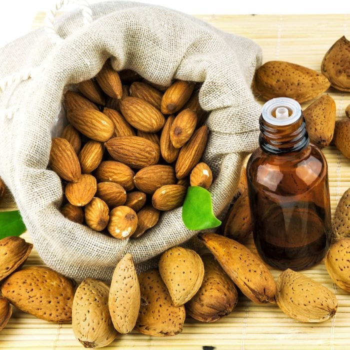 almond-oil-e1477769573270
