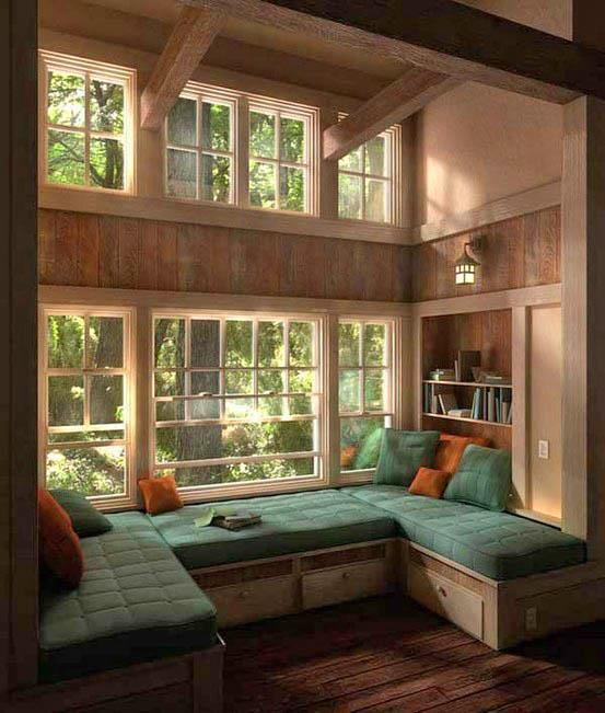 Гостиная, холл в цветах: светло-серый, темно-зеленый, коричневый, бежевый. Гостиная, холл в .