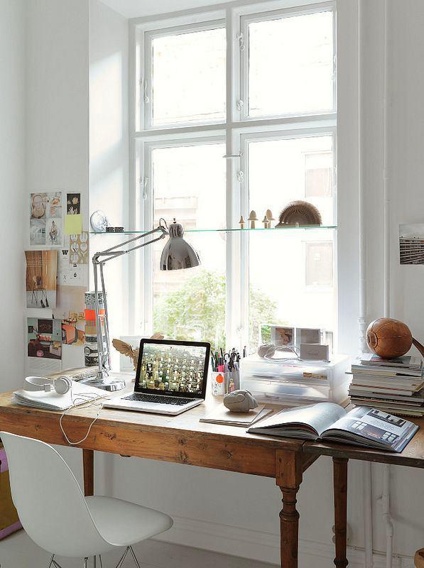 Офис в цветах: серый, светло-серый, белый. Офис в .