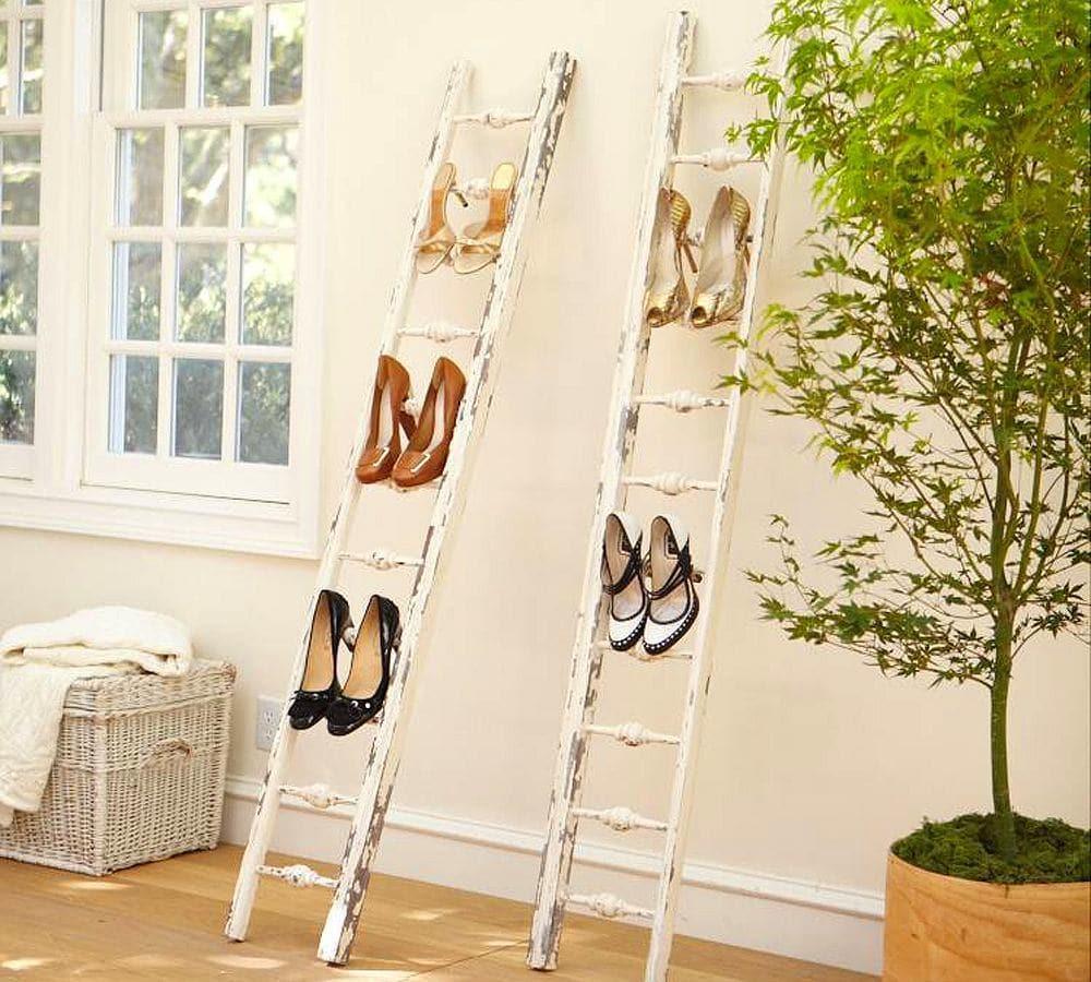 Мебель и предметы интерьера в цветах: светло-серый, белый, темно-зеленый, бежевый. Мебель и предметы интерьера в стиле классика.
