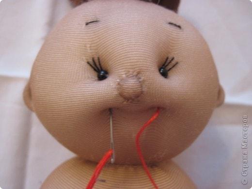 Меня часто спрашивают, как я шью таких пупсов. Все время давала ссылку на японские журналы, а вот теперь появилась возможность сделать мастер-класс. В детском саду заказали таких куколок в подарок девочкам. фото 28