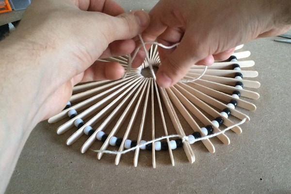 Как сделать часы из палочек для мороженного