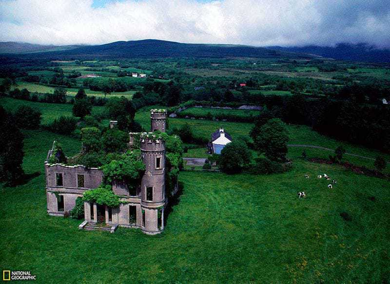 13. Брошенное поместье в Калгарне, Ирландия.