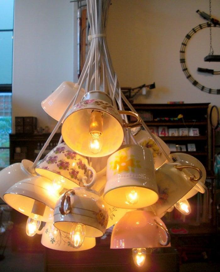 Оригинальные люстры и светильники своими руками 25