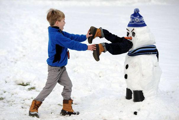 снеговик людоед