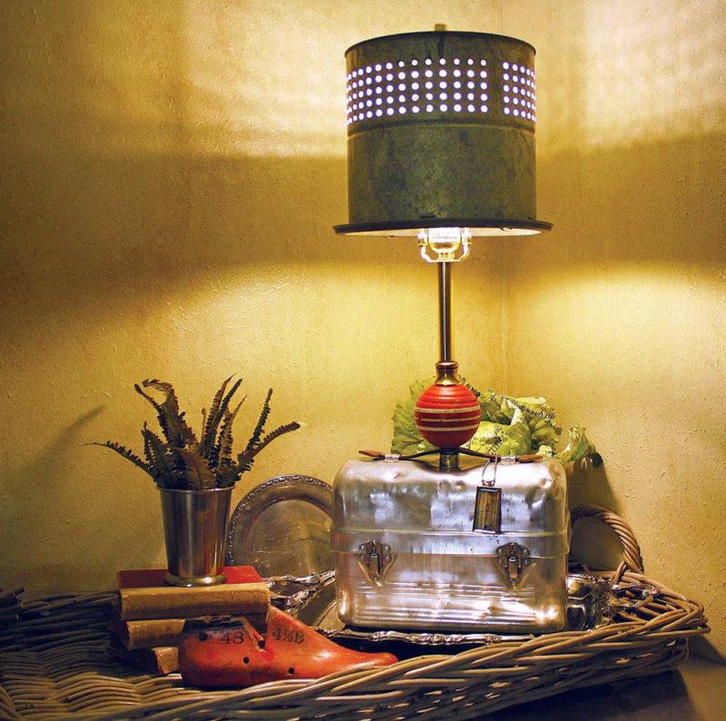 Настольный светильник своими руками из подручных материалов 24