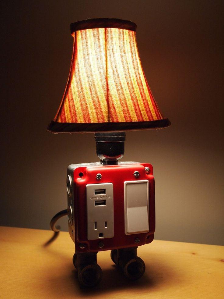 Настольный светильник своими руками из подручных материалов 85