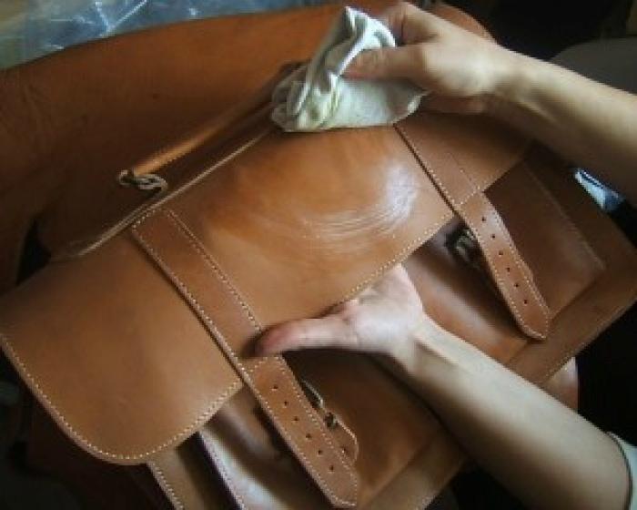 Чистка сумки из натуральной кожи