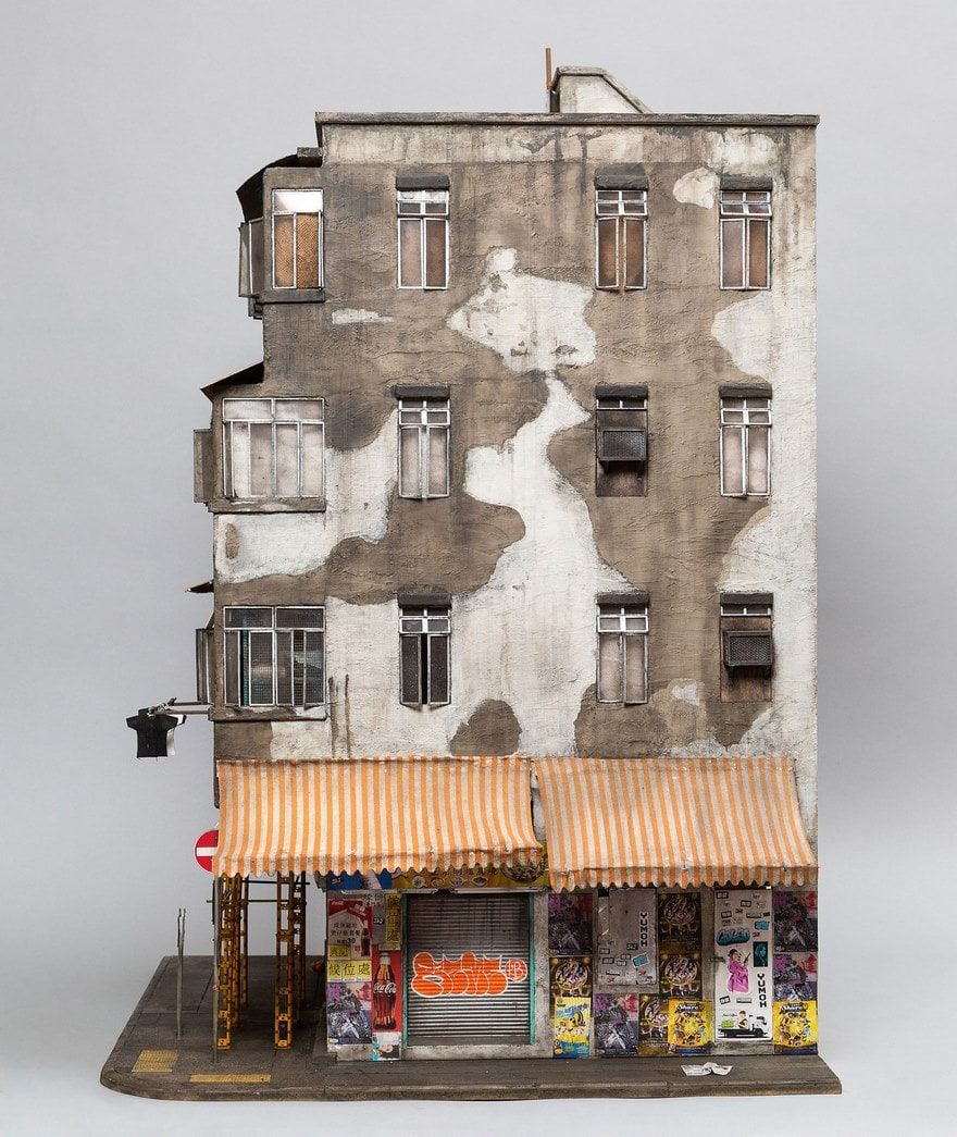 миниатюрный макет многоэтажного дома