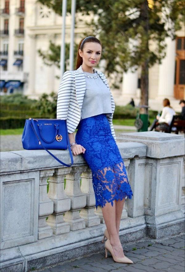 Голубая юбка карандаш с кружевом