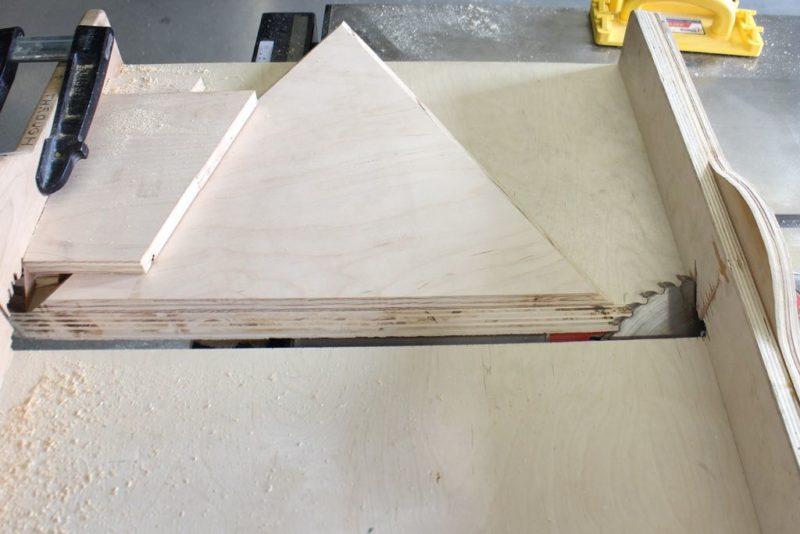 треугольник из фанеры настольной пилой
