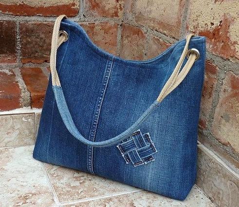 9f4036ce7786 Elena Puzanova. 86K subscribers. Subscribe · Джинсовая сумка своими руками  с вышивкой на машинке мастер класс Как сделать сумку из джинсов
