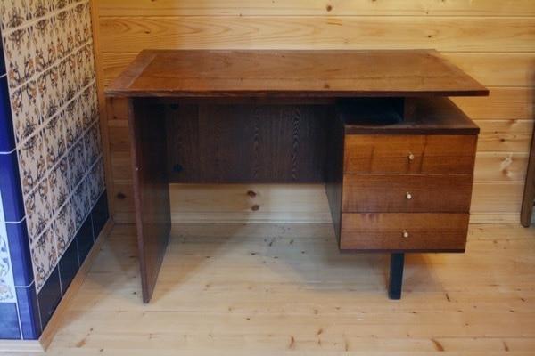 Как сделать из старого письменного стола 240