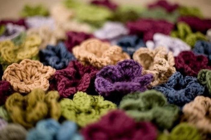 Вязание коврик из цветочков