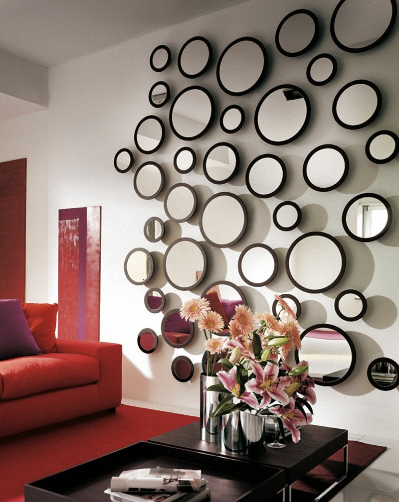 Как повесит зеркало на стену своими руками
