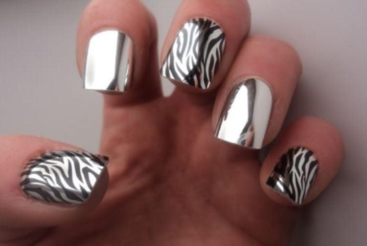 зеркальный эффект окрашенных ногтей