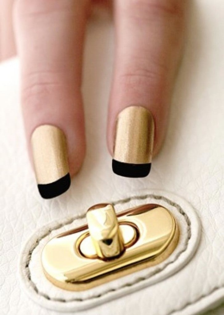 черный и золотой французский маникюр