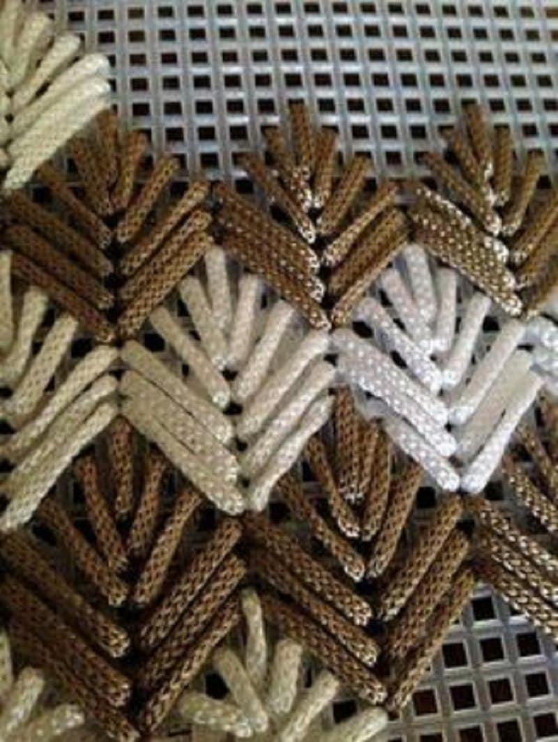 объемная итальянская вышивка на сетке