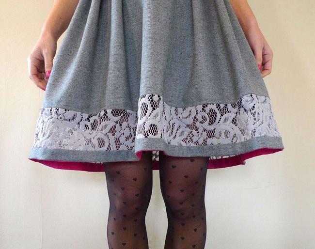 Кружевной край юбки