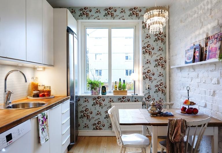Обои на маленькую кухню в интерьере фото 2015
