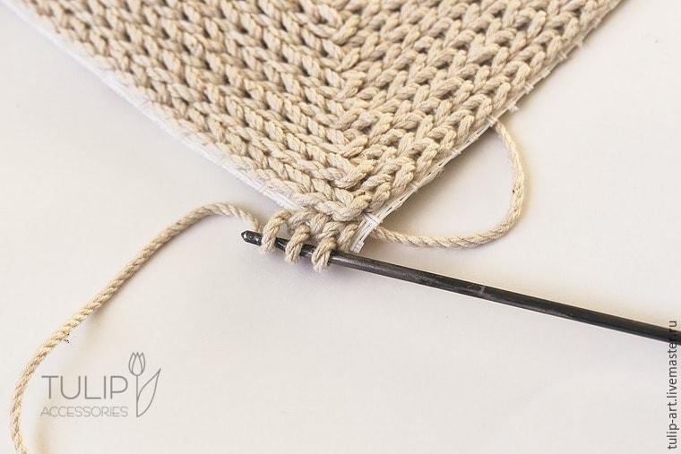 Вязание ковриков крючком по канве 13