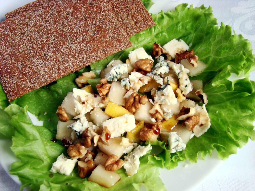 Салат с креветками и грецким орехом рецепт