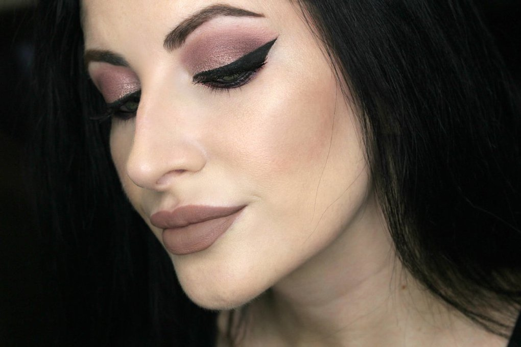 цвет тауп в макияже
