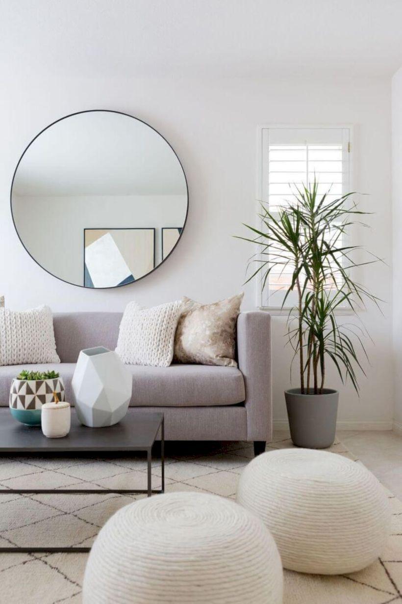 Идеи настенного зеркала в гостиной