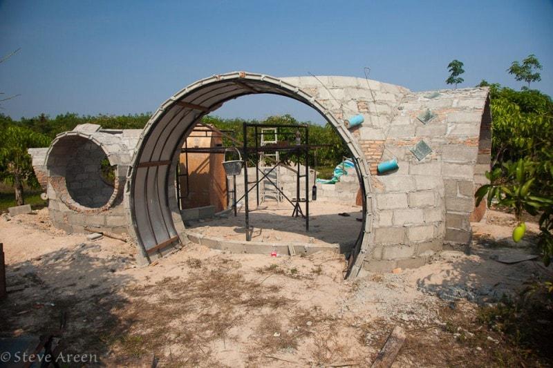 строительство необычного дома