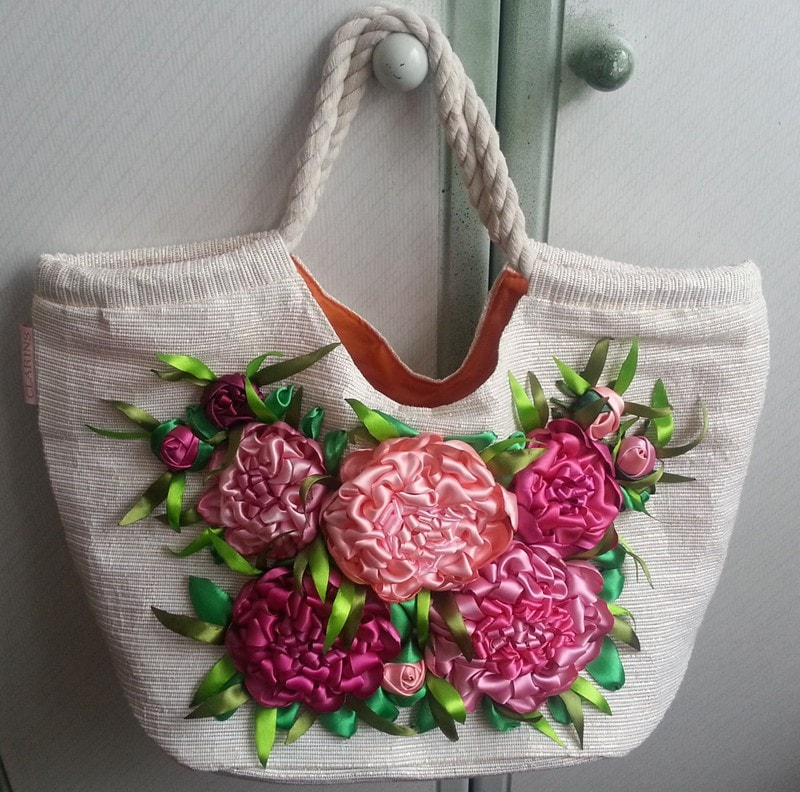 сумка с красивой вышивкой