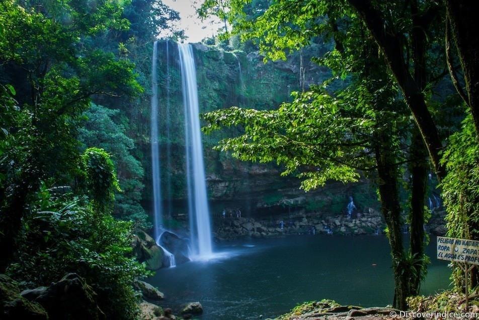 Водопад Мисоль Ха