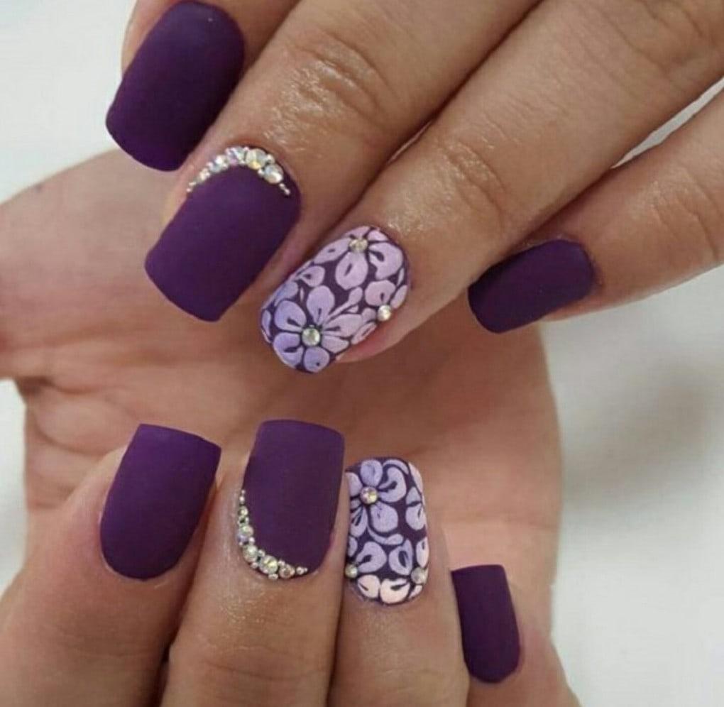 фиолетовые цветочные ногти