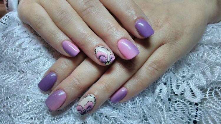 сиреневый маникюр на коротких ногтях