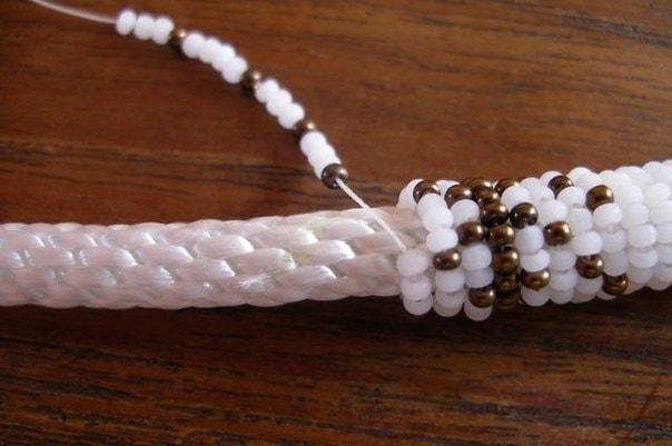 Вышивка бисером по веревке схема