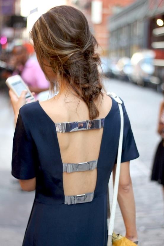 красивое фото девушек сзади в одежде построить длинную
