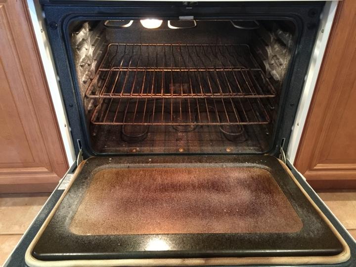 Всего один предмет и дверца духовки будет сверкать чистотой