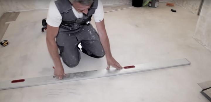 Простейший в укладке материал, который легко заменит ламинат