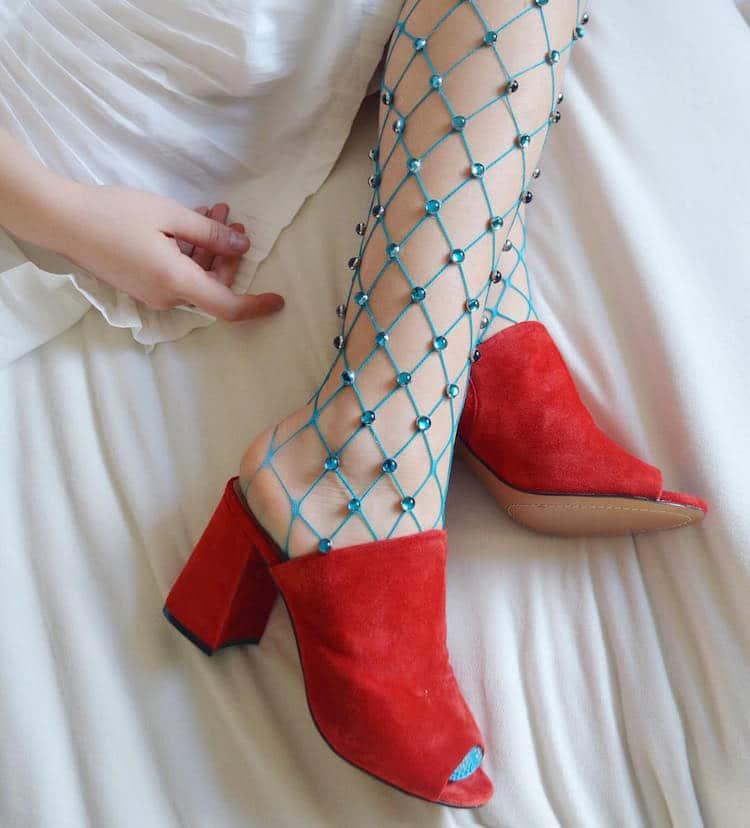 Необычные колготки и чулки — новый тренд, покоривший модниц
